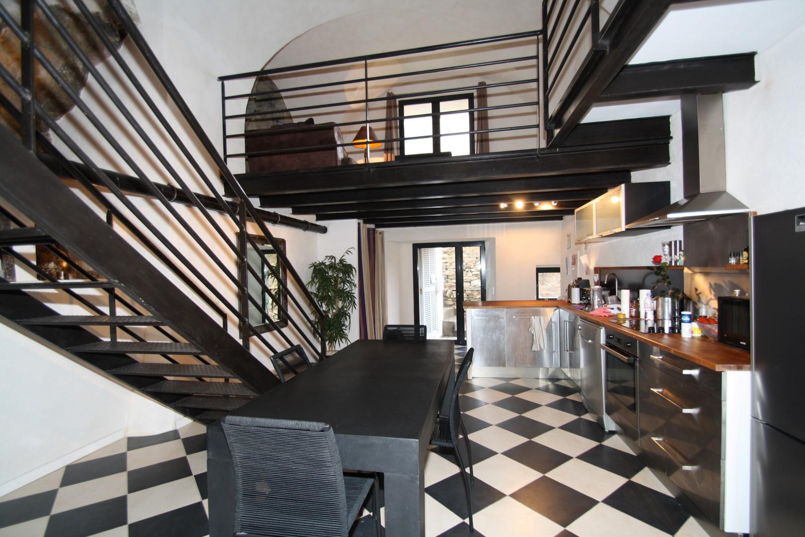 Duplex loft erbalunga agence immobili re bastia avec for Achat appartement loft