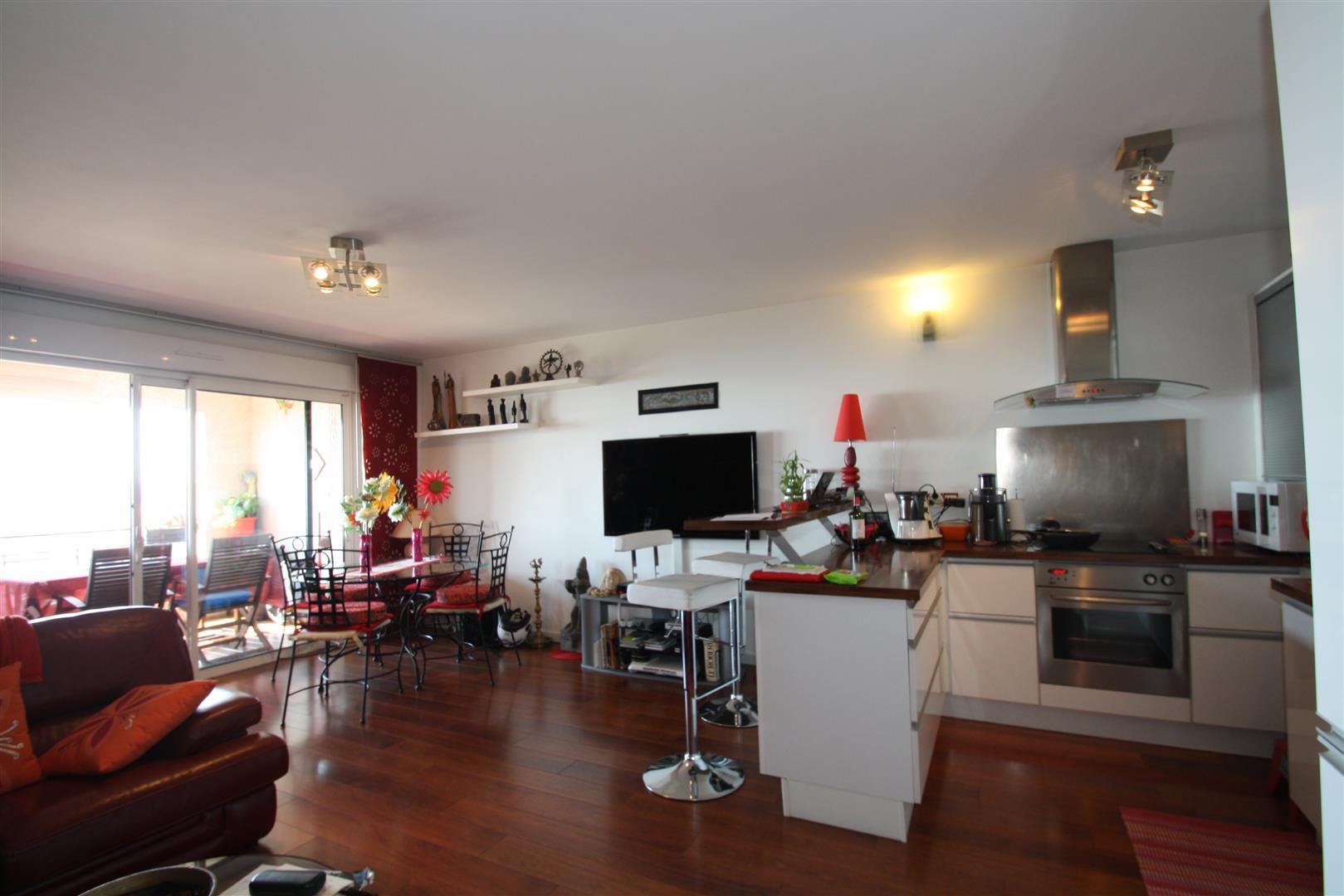 appartement duplex bastia agence immobili re bastia avec localisimmo agence immobili re. Black Bedroom Furniture Sets. Home Design Ideas