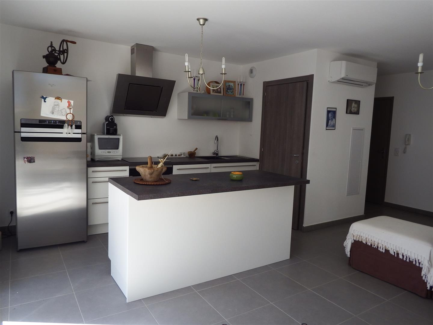 Cuisine appartement neuf hauteurs bastia agence for Appartement agence