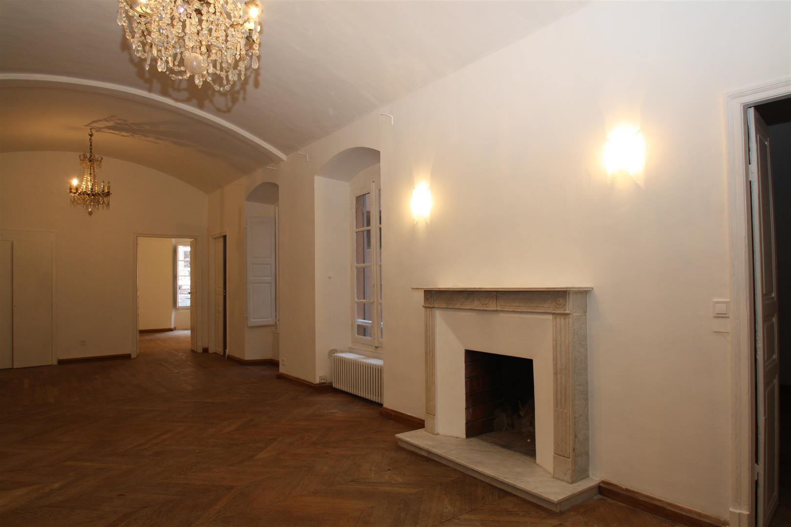 bastia appartement centre agence immobili re bastia avec localisimmo agence immobili re. Black Bedroom Furniture Sets. Home Design Ideas