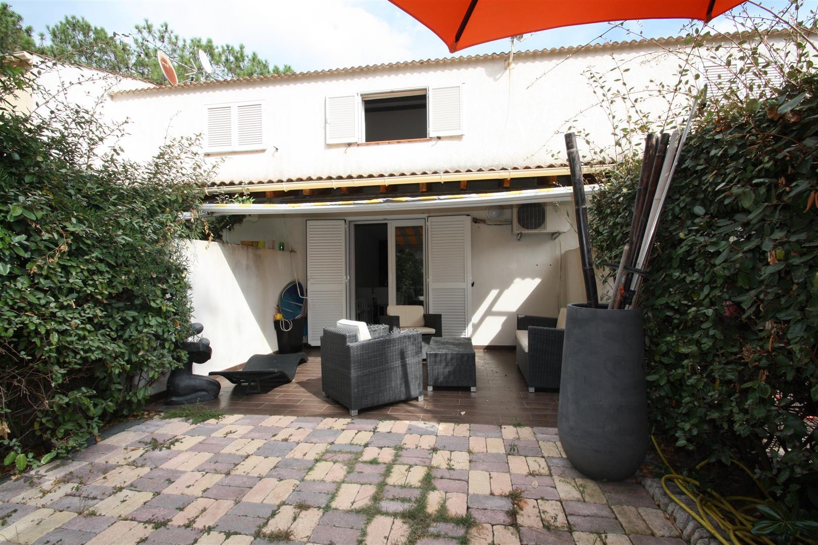 mini villa borgo agence immobili re bastia avec localisimmo agence immobili re bastia avec. Black Bedroom Furniture Sets. Home Design Ideas